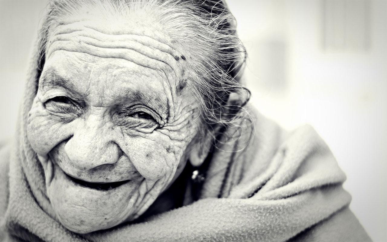 úsmev staroba